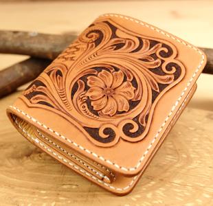 レザーカービングのハーフウォレット:二つ折り革財布:手作り革製品