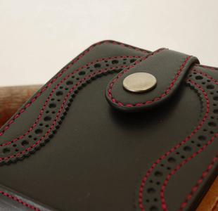 二つ折り革財布